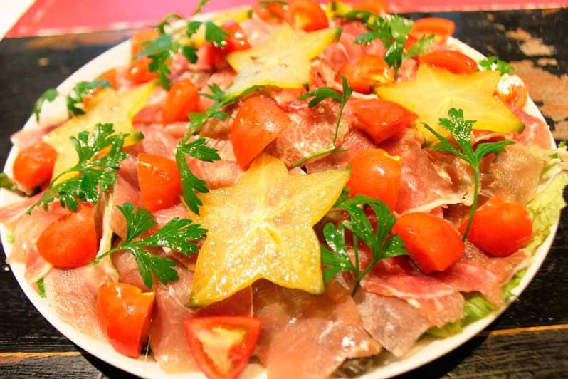 生ハムと島野菜のサラダ