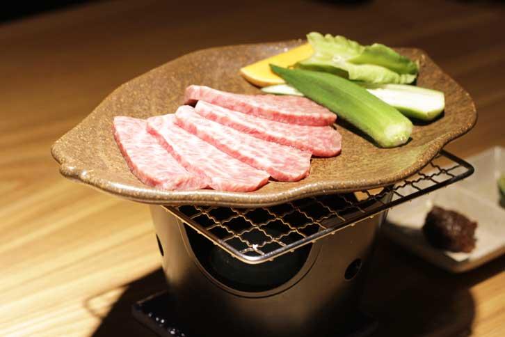 最高ランク宮古牛、陶板焼肉